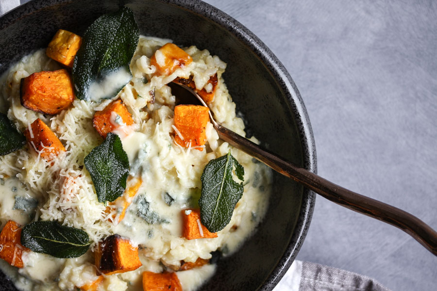 cozy risotto with roasted butternut squash, blue cheese and sage