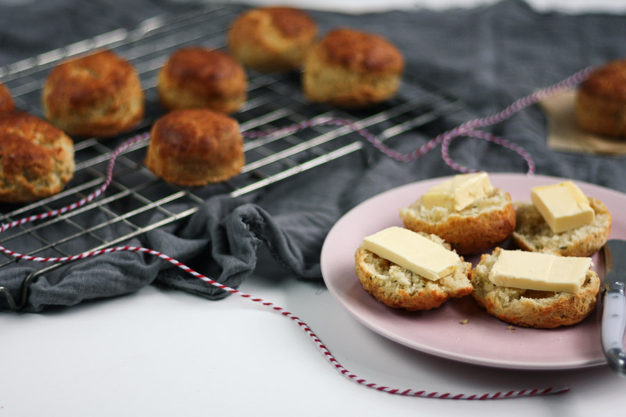 mini cheddar & rosemary scones