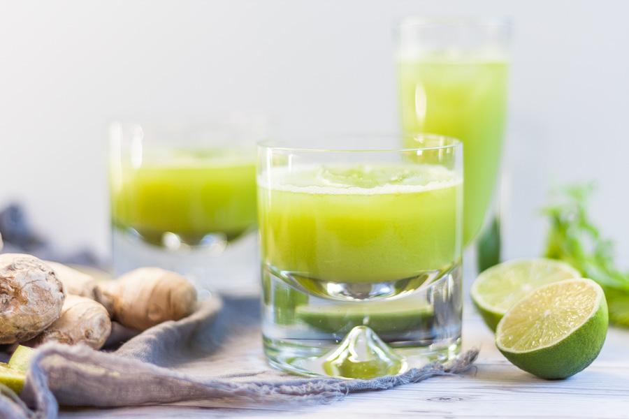 cleansing 3-ingredient green juice