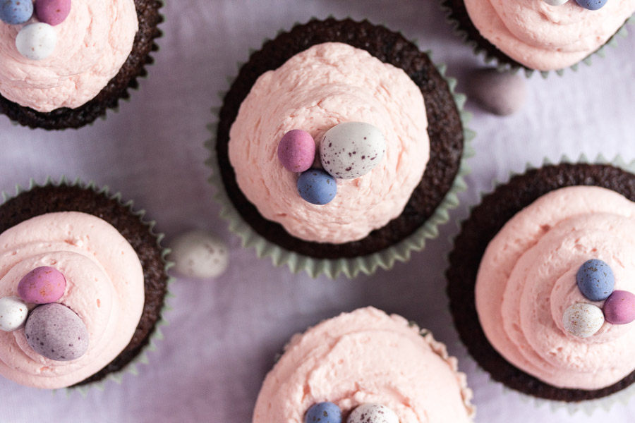 chocolate cupcakes with rose mascarpone frosting